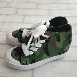 Joe Boxer High Top Camo Shoes 1